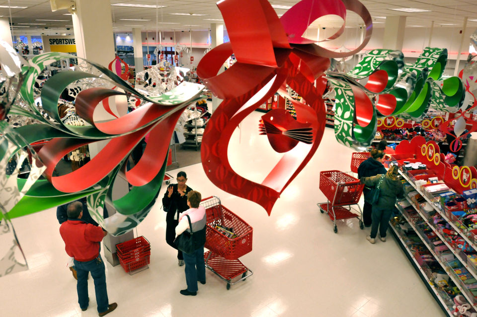 Target Christmas Commercial 2018.Christmas Eve 2018 Shopping Guide Where Can You Buy Last
