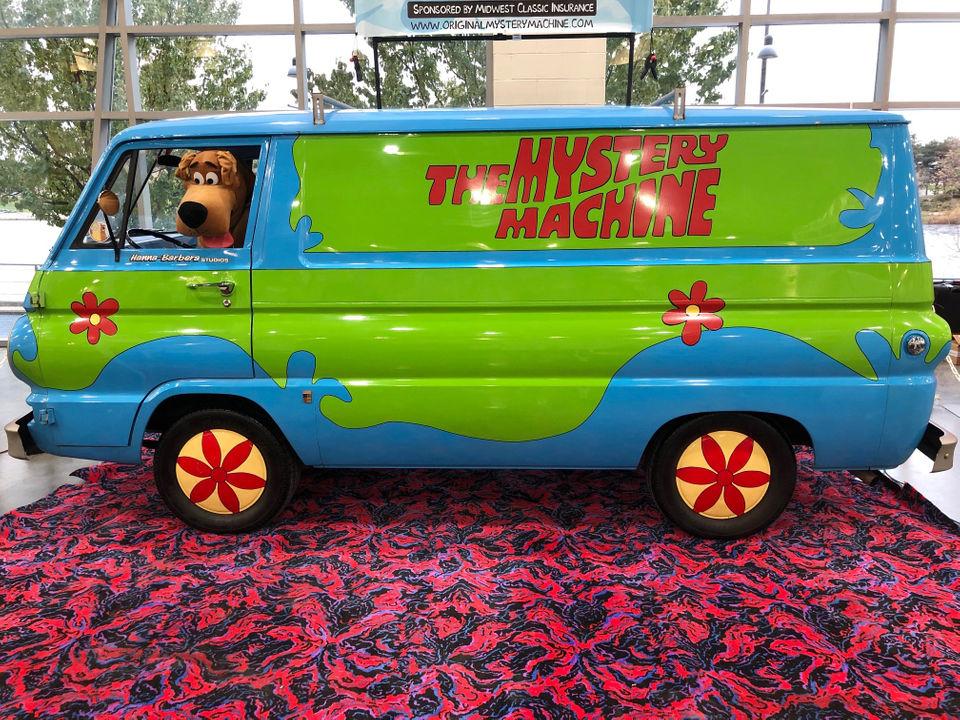 Original Hanna-Barbera Mystery Machine on rare display at Grand Rapids Comic Con