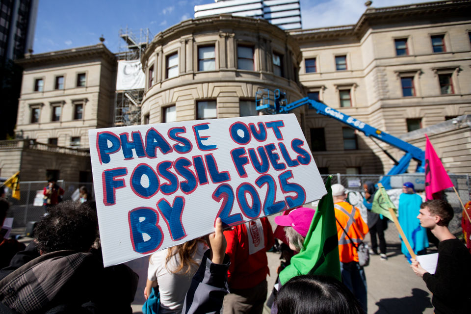 Climate activists gather at Portland City Hall and demand Wheeler provide zero-emissions plan (PHOTOS)