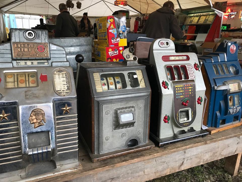 Brimfield Outdoor Antiques Show one of stars of HGTV's 'Flea Market