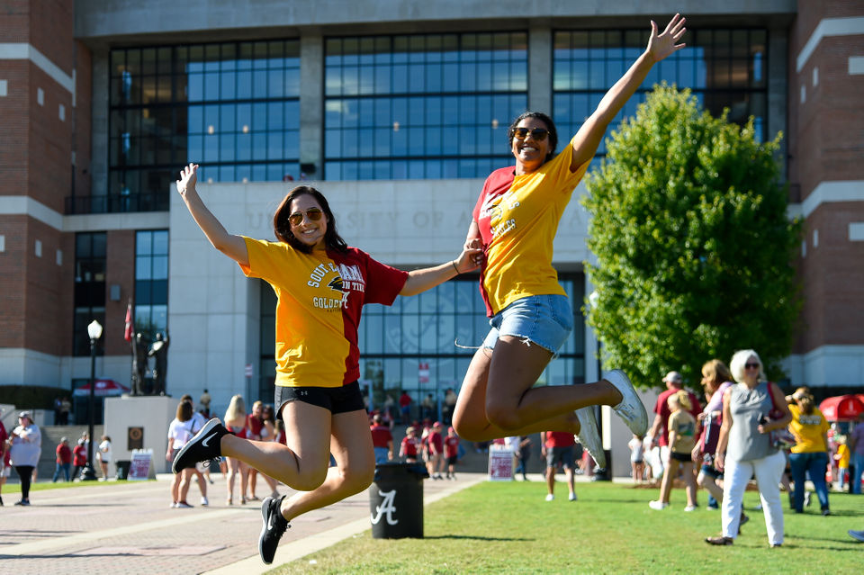 See Alabama fans hit the Walk of Champions, Quad ahead of Southern Miss