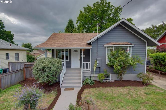 Tremendous Prices Drop On These Portland Homes For Sale Oregonlive Com Home Interior And Landscaping Mentranervesignezvosmurscom