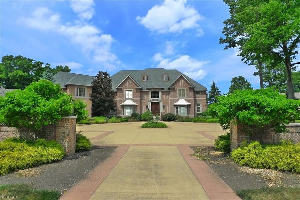 Lakefront Mansion With Indoor Basketball Court Asks 3m House Of The Week Cleveland Com