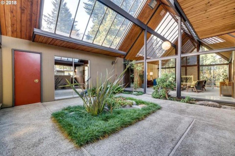 Awe Inspiring Oregons Coolest Midcentury Modern Houses Builder Bob Home Interior And Landscaping Mentranervesignezvosmurscom