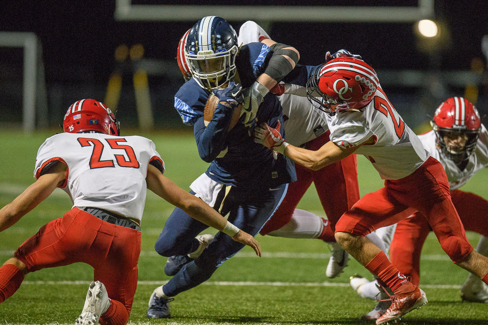 Next man up! Backup QB leads Liberty past Oregon City as Falcons continue to make believers