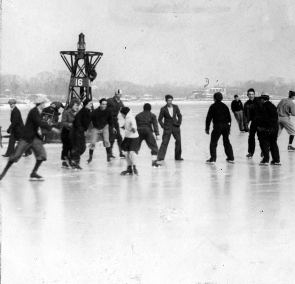Vintage photos show an icy Staten Island, when winter's days were always frigid