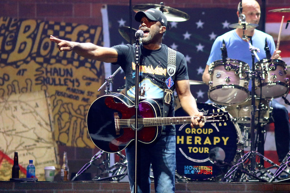 Reunited Hootie and The Blowfish and Barenaked Ladies play to a jam-packed DTE