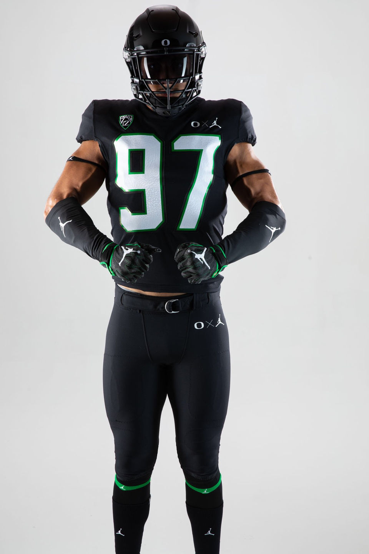 hot sale online f4d58 7b543 Oregon Ducks to wear all black Jordan brand uniforms vs ...