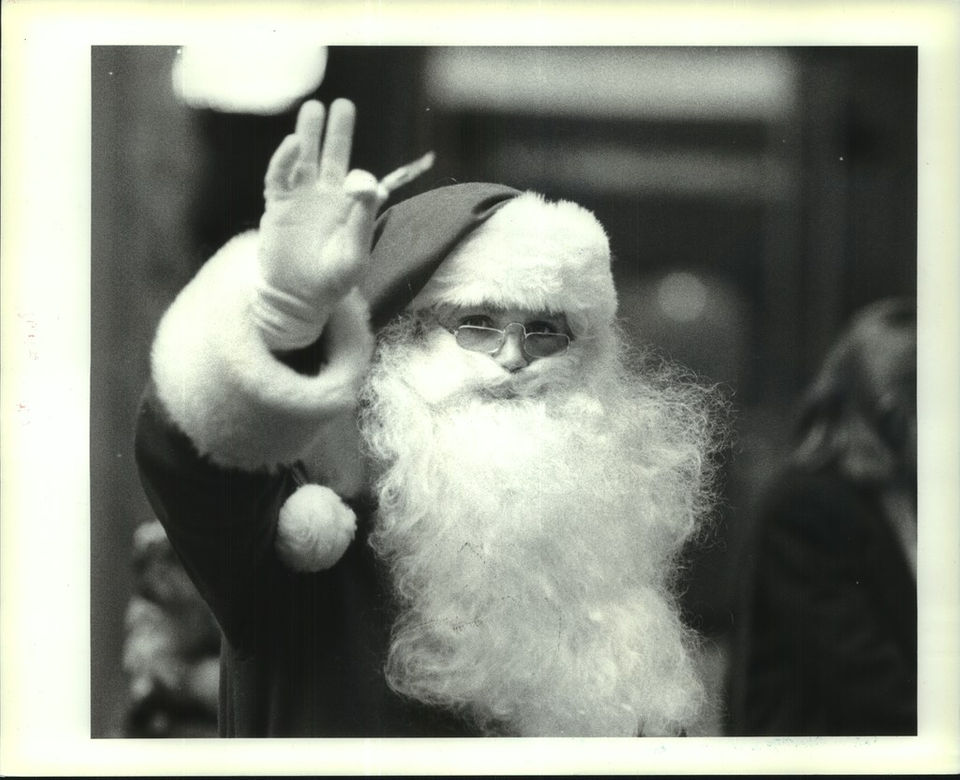 Vintage Santa Claus: 15 engaging photos of St. Nick through the years