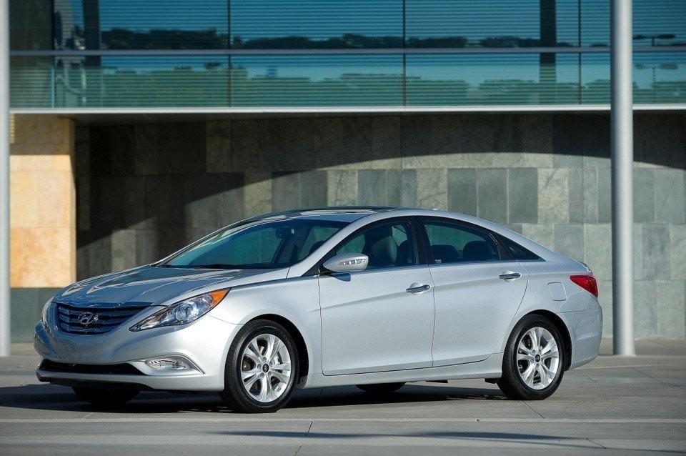 Kia Hyundai Recall 1 1m Vehicles Due To Risk Air Bags Might