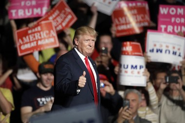 Donald Trump campaigns in Warren, Michigan on October 31, 2016.