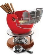 Helmet-shaped fondue pot