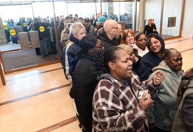 The rush of people waiting to get in at the official opening the del Lago Resorts and Casino in the town of Tyre in Seneca County, Feb. 1, 2017.