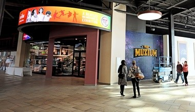 The Muzium will offer traveling exhibitions of art, science, and history.