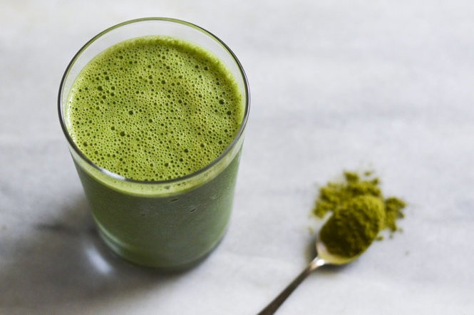 A green smoothie by Alexandra Shytsman, creator of thenewbaguette.com and author of Friendsgiving.