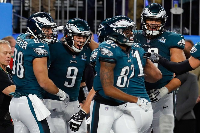 815aa33b26c Nick Foles, Corey Clement power Eagles to Super Bowl victory 41-33 over New  England Patriots | Studs and Duds