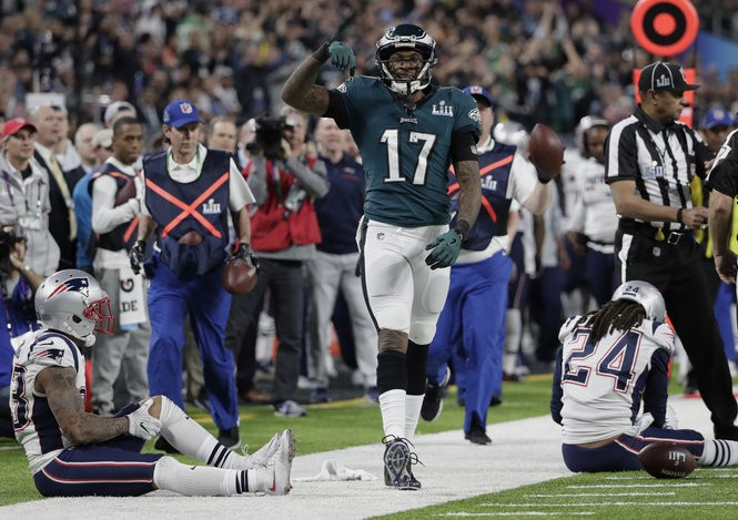best sneakers 08dbe 9a2fd Nick Foles, Corey Clement power Eagles to Super Bowl victory ...