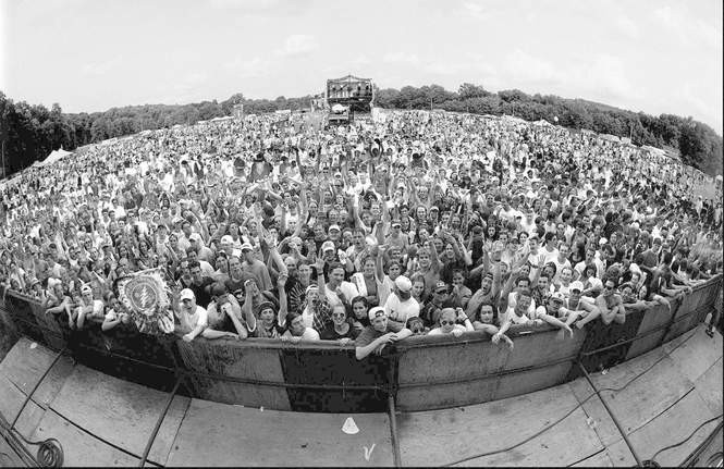 A crowd fills the Waterloo Village concert field in 1995 for the HORDE festival. (NJ Advance Media file photo)