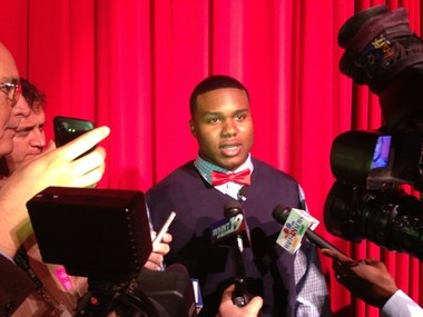 Alabama signee Dee Liner talks with reporters after announcing his decision to sign with the Crimson Tide. (Vasha Hunt/vhunt@al.com)