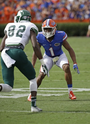 Florida defensive back Vernon Hargreaves, III (1) prepares to defend against Eastern Michigan's Kenny Jones (82) on Sept. 6.