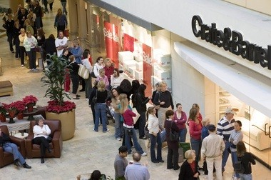 Shoppers line up at Crate and Barrel for post-Black Friday deals.