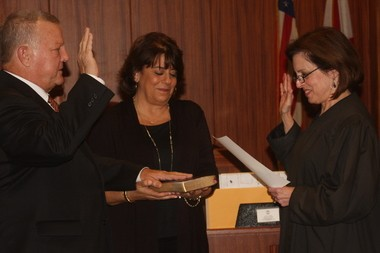 Mike Anderton takes oath of office