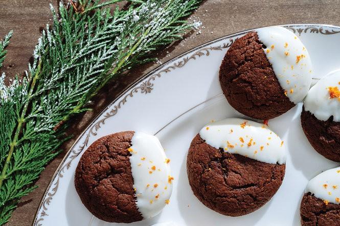 Dark Chocolate Gingerbread Cookies