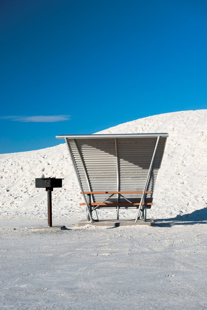 A scenic picnic table in White Sands.