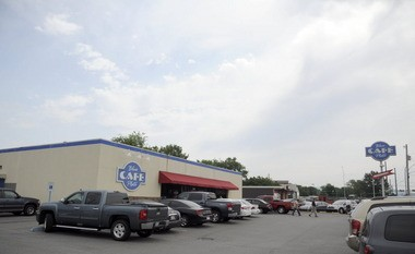 Blue Plate Cafe, located on 3210 Governors Drive S.W., is in the process of opening a second restaurant on South Memorial Parkway in Huntsville. (Eric Schultz | eschultz@al.com)