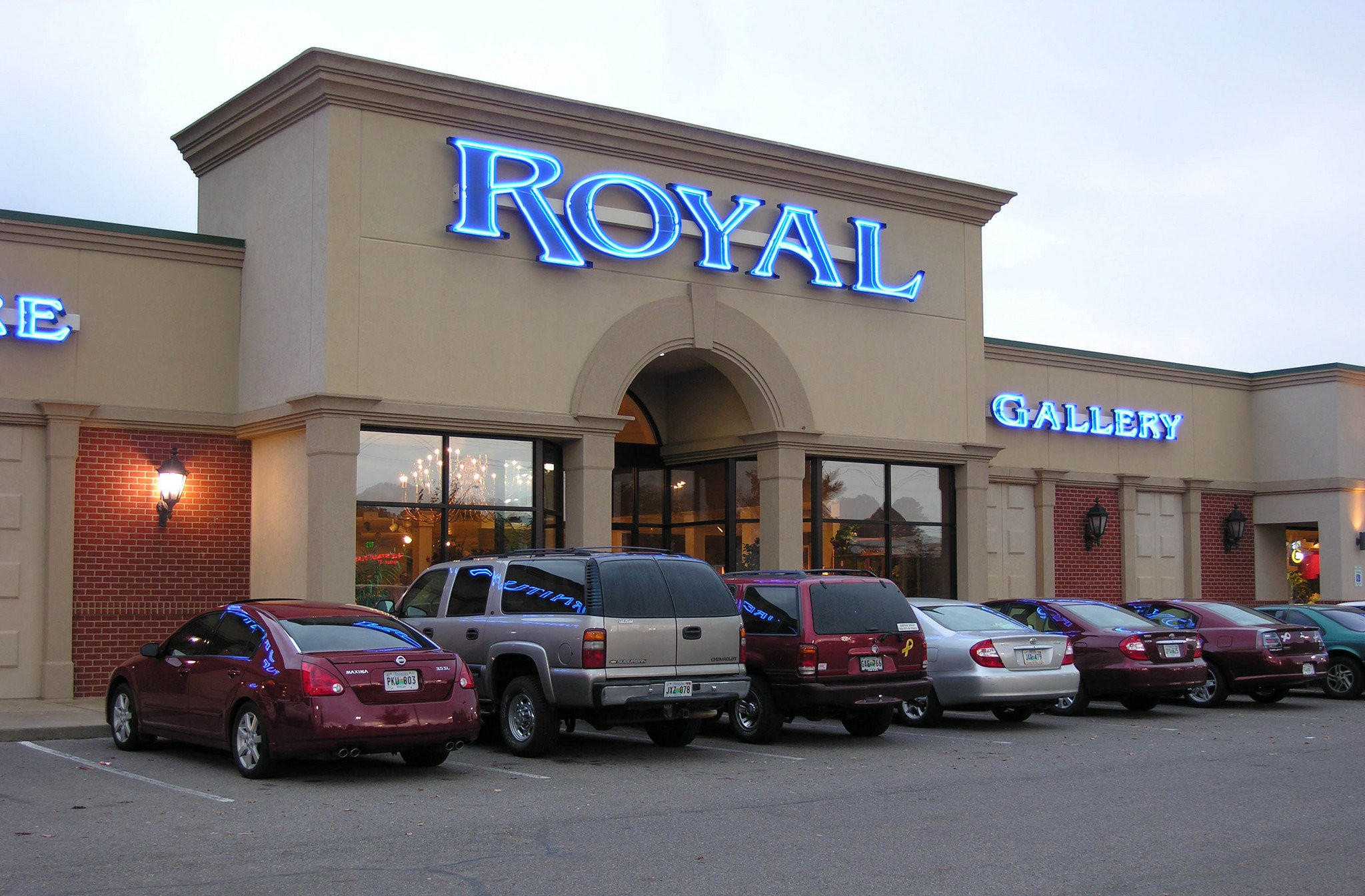 Attrayant Memphis Based Royal Furniture Moving Into Alabama With ...