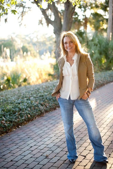 Patti Callahan Henry graduated from Auburn University and now lives in Mountain Brook with her husband, Pat.
