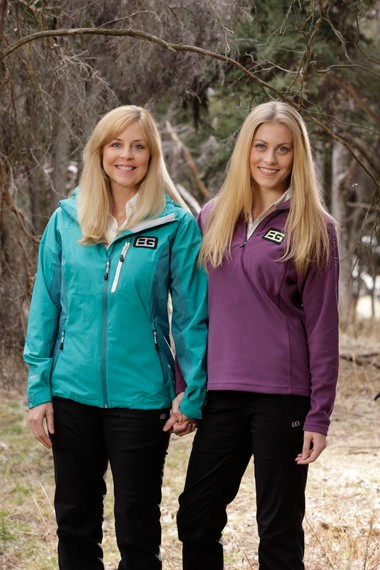 """Donna Nettles Jackson, left, and Canden Bliss Jackson are one of several parent-child teams in """"Get Out Alive with Bear Grylls."""" (Paul Drinkwater/NBC)"""