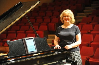 Cynthia Perry MacCrae will perform all 32 Beethoven Piano Sonatas, using an iPad for a score.