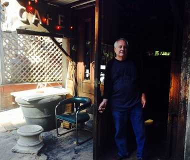 A couple of hours after midnight Saturday, Kenny Watson will say his final goodbyes to the Garage Cafe and head to the beach with the bar's longtime staff. (Bob Carlton/bcarlton@al.com)
