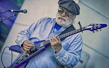Huntsville blues guitarist Microwave Dave. (Photo courtesy of Dennis Keim)