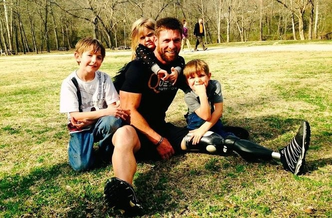 Noah Galloway says his children immediately connected with other kids in his new neighborhood. From left, Colston, Rian Elizabeth, Galloway and Jack. (Photo courtesy of Noah Galloway)