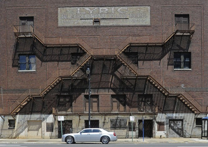 Exterior of the Lyric Theatre, spring 2010. (The Birmingham News file /Bernard Troncale)
