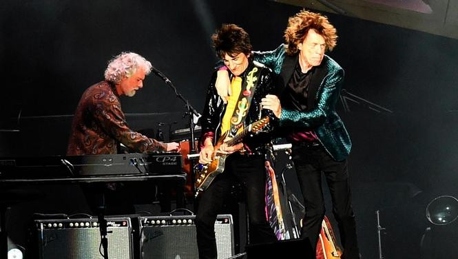Chuck Leavell, left, performs with Ron Wood and Mick Jagger at the Rolling Stones' 2015 concert in Nashville. (Courtesy Rick Diamond/Getty Images)