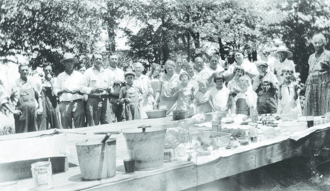 The scene at a backyard barbecue at Big Bob Gibson's Decatur residence in the mid-1920s. (Courtesy photo)