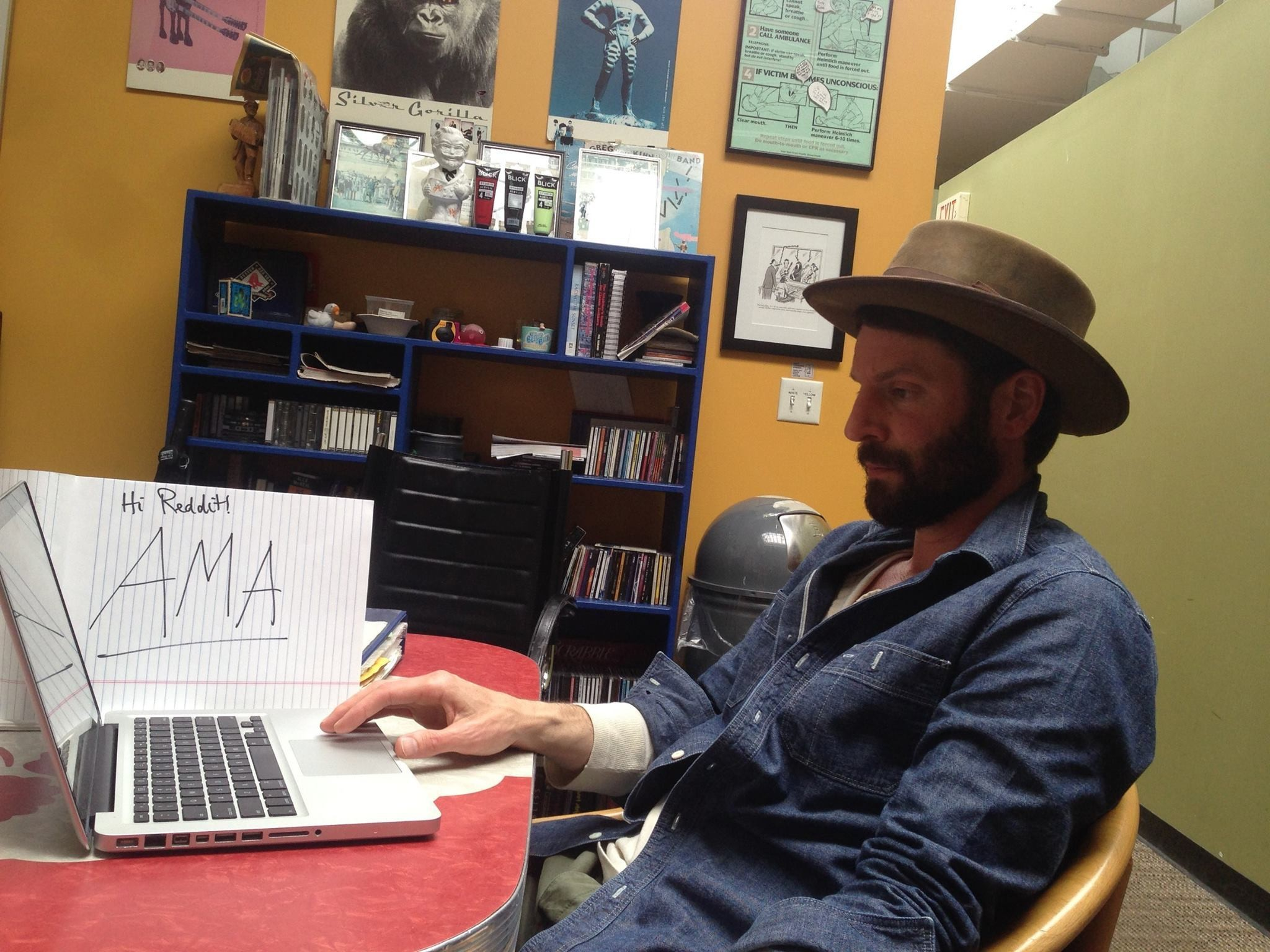 Ray LaMontagne opens up to fans (just a little) with Reddit