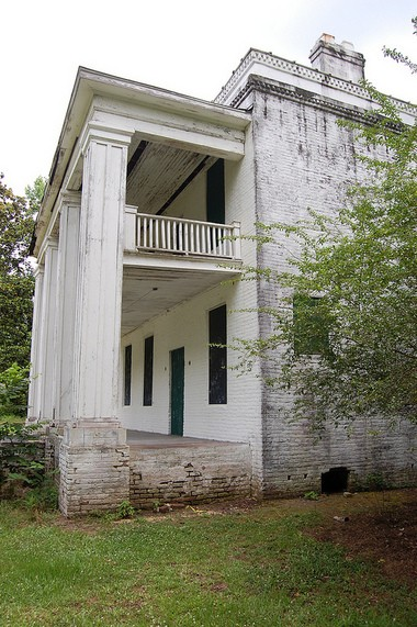 Slave quarters structure is one of few still standing at Old Cahawba. (Nathan Simone/Living Democracy Community Reporter)