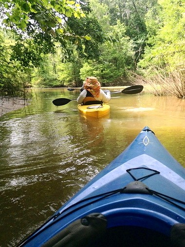 Kayakers explore the waters near Old Cahawba in Dallas County. (Taryn Wilson/Living Democracy Reporter)