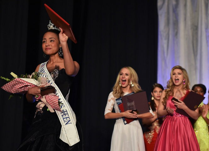 Tiara Pennington, the 2016 Miss Alabama's Outstanding Teen Pageant winner, waves to the crowd after her win, Sunday, March 6, 2016 in Sylacauga. (Tamika Moore/tmoore@al.com)