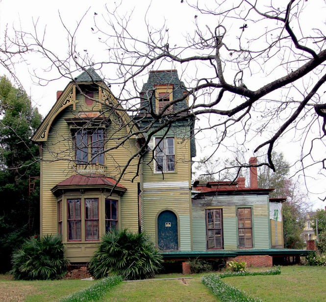 The Spooky Appeal Of Alabama's Mansard Roofs, The