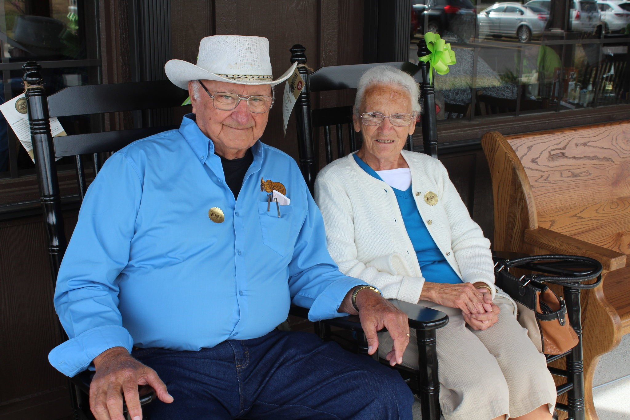 Ray and Wilma Yoder travel the country, one Cracker Barrel at a time