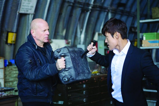 The Prince': Great movie biz buzz brings Bruce Willis and