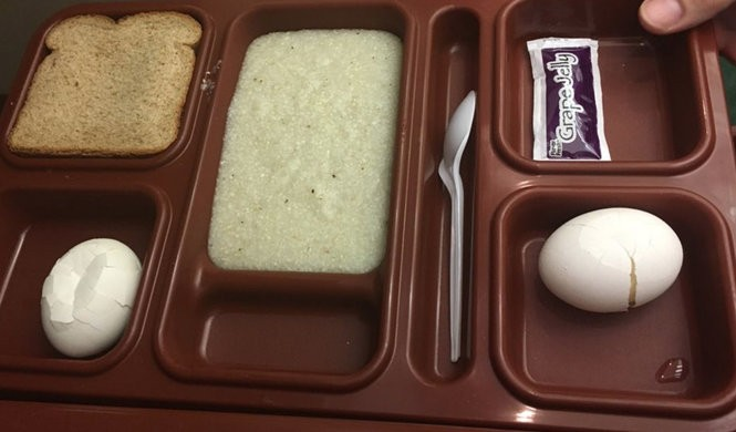 The Etowah County Sheriff's office said it served prisoners in the county jail trays of breakfast exactly like this one on Friday morning. (Connor Sheets | csheets@al.com)