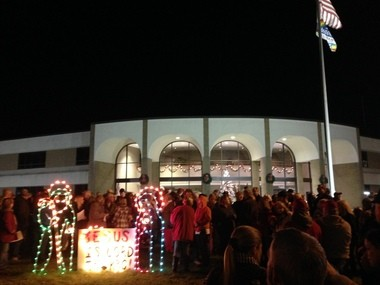 A crowd of more than 500 people came to show support for a nativity scene on display at City Hall in Rainbow City Friday, Dec. 19, 2014. (William Thornton / wthornton@al.com)