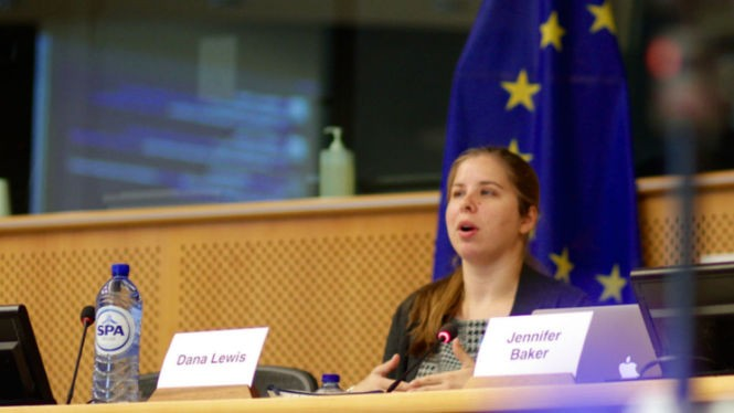 Dana Lewis speaking about her invention at a meeting at the European Parliment. (Contributed)
