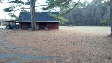 The barn where Jasosn Klonowski was found. (cstephens@al.com)